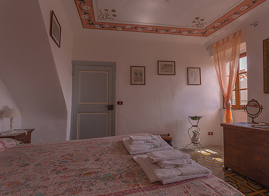 Bedroom The Pink Room B&B Sotto il Castello Trebiano